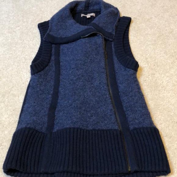 Banana Republic Jackets & Blazers - Banana Republic navy blue sweater vest